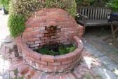 レンガ池の水漏れ (1)